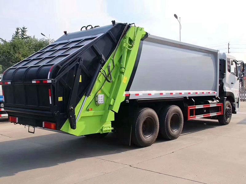 东风天龙后八轮压缩式垃圾车